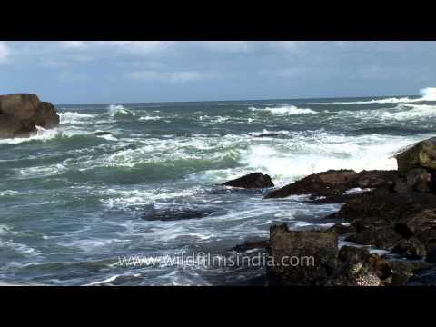 Ocean waves hitting the rocks, Indian Ocean at Kanyakumari