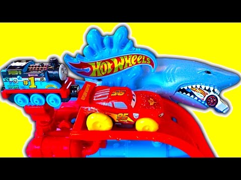 Hot Wheels Splashdown Station Disney Cars Hydro Wheels Racing Thomas