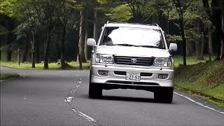 LAND CRUISER 100 CarGraphicTV風