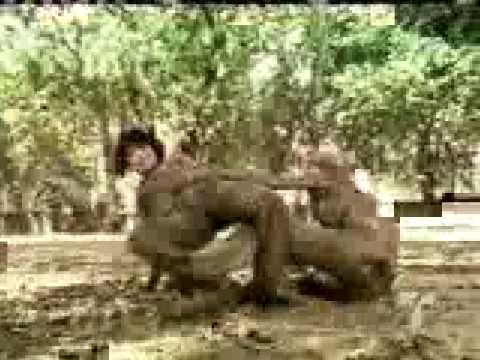 Download girls mexican in mud fight... raw violence