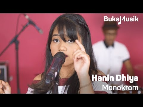 Hanin Dhiya - Monokrom (Tulus Cover With Lyrics) | BukaMusik 2.0