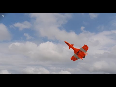 K175 Drake. Pilot: Nico Gastaldi.