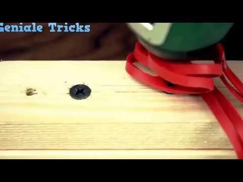 видео: Все гениальное - просто или как выкрутить шуруп с сорванной резьбой на шляпке