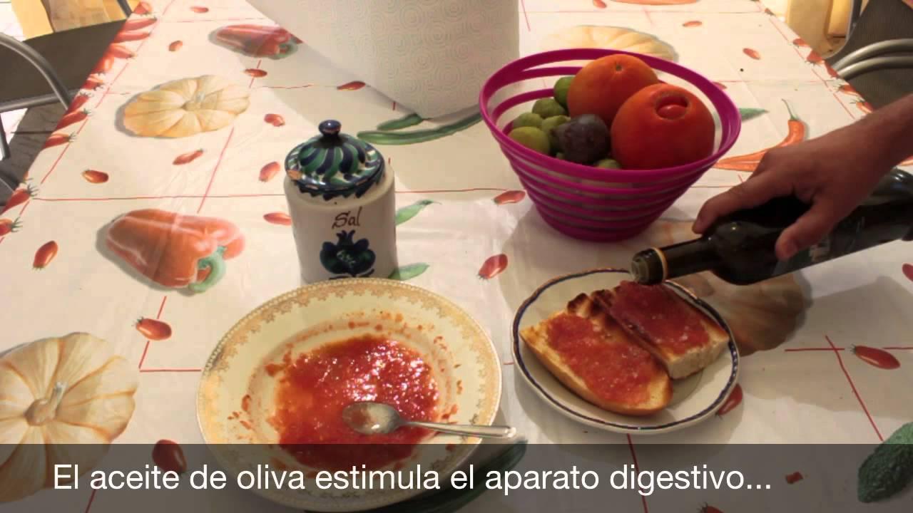 desayunar tostadas con tomate engorda