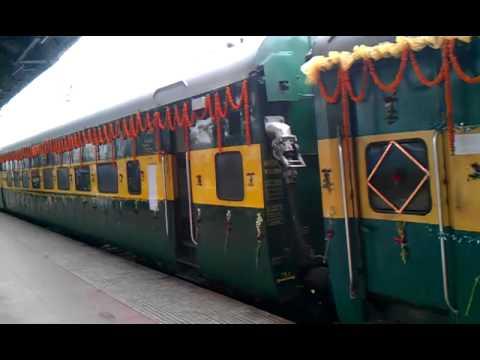 Decorated Rake Of 22883 Puri Ypr Garib Rath Express At