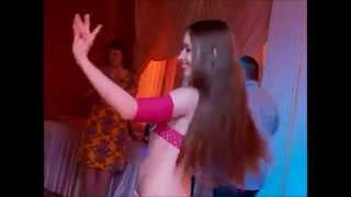 Belly Dancer AZZA KADIF -