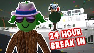 I TRIED BREAKING INTO PEOPLE'S BLOXBURG HOUSES FOR 24 HOURS... again Video