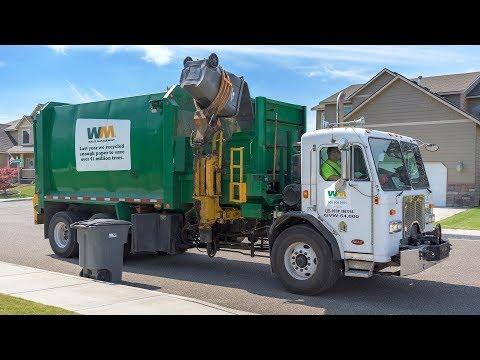 Peterbilt 320 - Labrie Automizer Garbage Truck