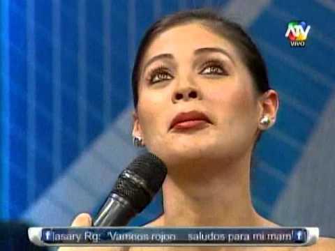 COMBATE: Vea el beso que le dio Zumba a Georgette Cárdenas