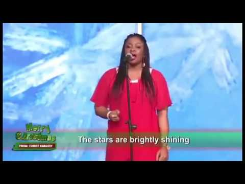 """SINACH Rocks """"O Holy Night"""" Better Than Mariah Carey And Without An In-ear Monitor"""