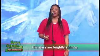 "SINACH rocks ""O Holy Night"" better than Mariah Carey and Without an in-ear monitor"