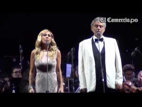"""Andrea Bocelli y Marta Sánchez """"Vivo por ella"""" EN VIVO Lima- Perú 28/09/13"""