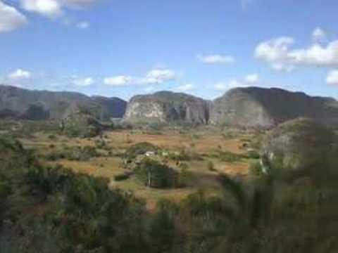Valle de Vinales 180 View - Cuba