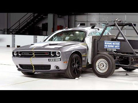2016 Dodge Challenger side test