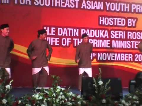 36th SSEAYP : BPY 09 : POC Malaysia : Zapin Tari Melayu