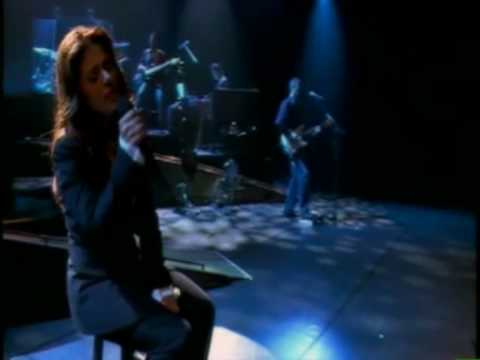 """Isabelle Boulay En t'""""attendant (live L'""""olympia)"""