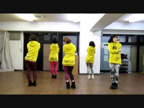 CRAYON POP Dancing Queen dance cover by MINI