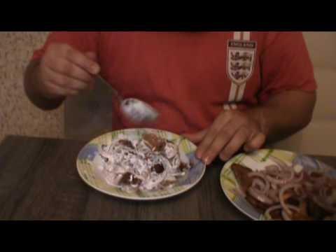 Как едят соленые грузди