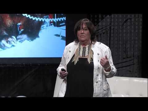 Chantek, the first orangutan person | Lyn Miles | TEDxUTChattanooga
