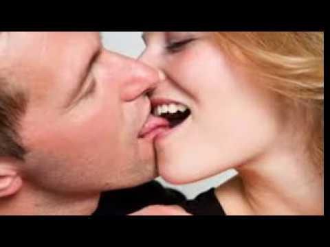 Sexy french kiss pics