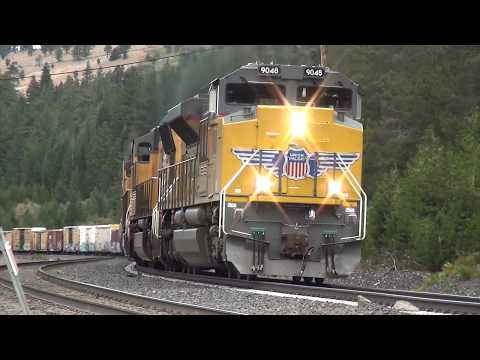 TRAINS ON THE DONNER PASS (BUZY DAY) 9-29-2017