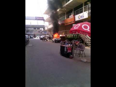 unfortunately burn fire car at multan business city plaza