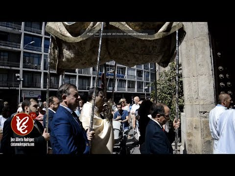 Entrada de la procesión eucarística de San Pedro - Sevilla 2017