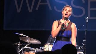 Mayra Andrade - Lua - Live in Berlin (16 / 17)