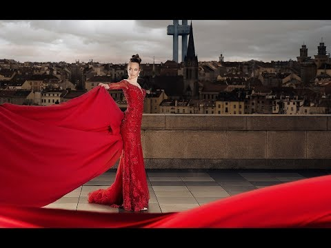 Fashion photography backstage with Hasselblad H4D in Prague