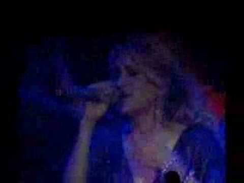 Carrie Underwood- Starts With Goodbye