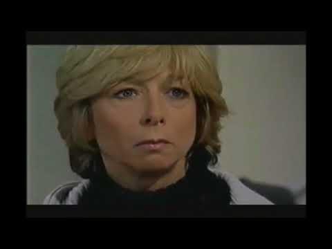 Coronation Street  Richard Hillman Scares Gail Hillman 2003