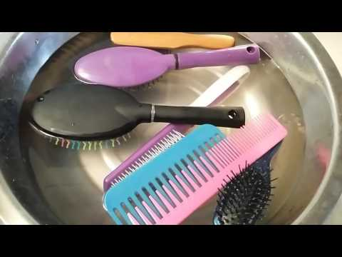 HOW TO CLEAN YOUR COMBS/HAIR BRUSHES