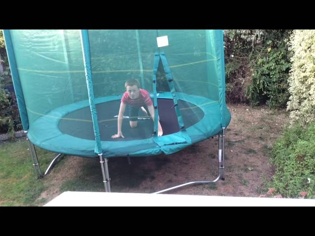 Ouch ( Trampoline Fail )