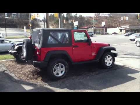 how to remove a jeep wrangler soft top instructional video how to save money and do it yourself. Black Bedroom Furniture Sets. Home Design Ideas