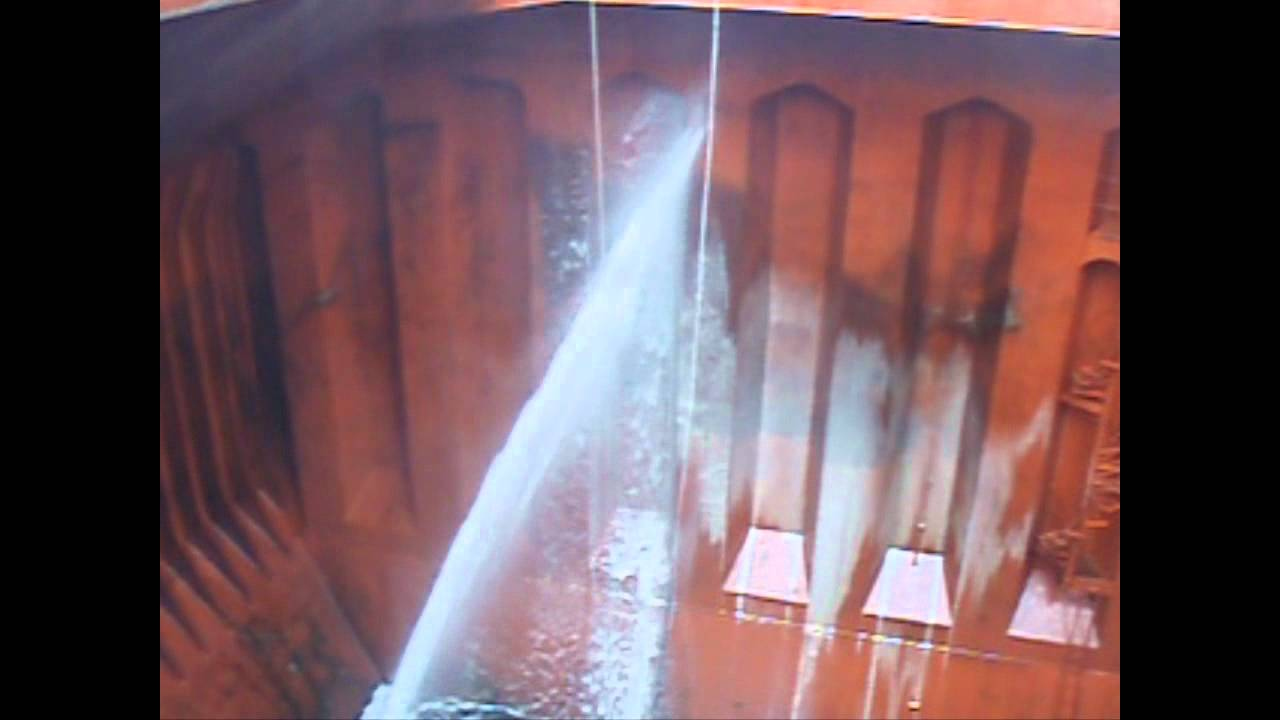 bulk grain cargoprocess of cleaning holds Bulk cargo hold preparation and cleaning  grain products page 5 definition bulk carrier: vessels designed for the transport of solid bulk cargoes, which can.