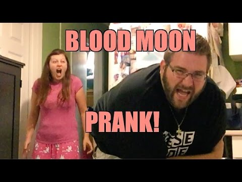 BLOOD MOON BUTT PRANK! SMASHED VACUUM AFTERMATH VLOG!