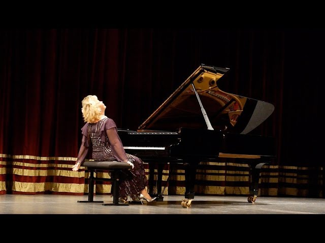 Gülsin Onay: Piyanist