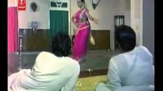 Paan Khaye Saiyan Hamar- Dil Deve Na Hum Nazrana Mein  (bhojpuri)
