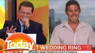 Gambar cover Farmers 'cow sucking' joke has TV hosts in stitches. Funniest thing on TV.