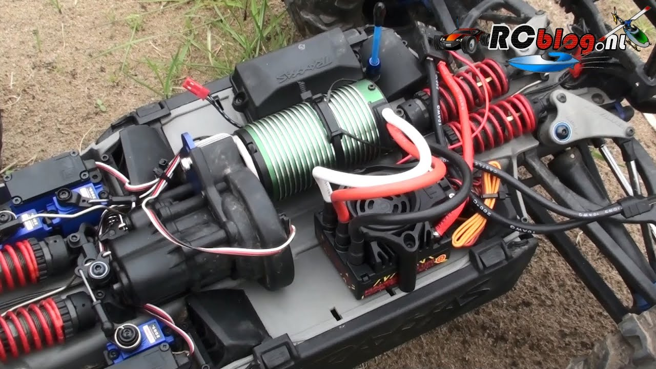 Castle Creations Mamba Monster 2 in Traxxas Summit video review (NL on mamba monster esc wires, mamba monster ecu got wet, mamba max pro wiring diagram, mamba monster wiring dia, mamba monster series diagram,