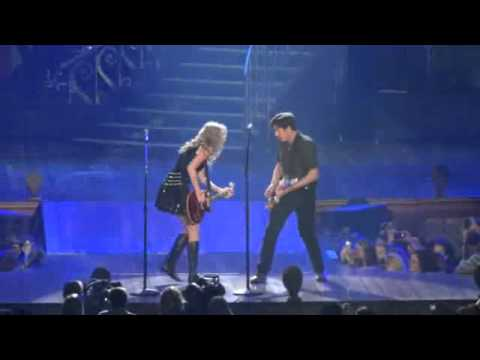 The Middle- Taylor Swift & Jimmy Eat World 10/22/11