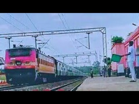 Vaishali Superfast Storming at Full Speed with WAP4|Dangerous Track Sounds