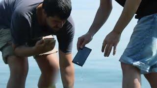 Telefonunuz Denize Düşerse Ne Olur? (Acımadık, telefonu denize attık!)