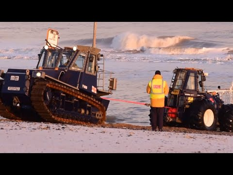 £300,000 tractor and trailer rescued from North Sea by RNLI
