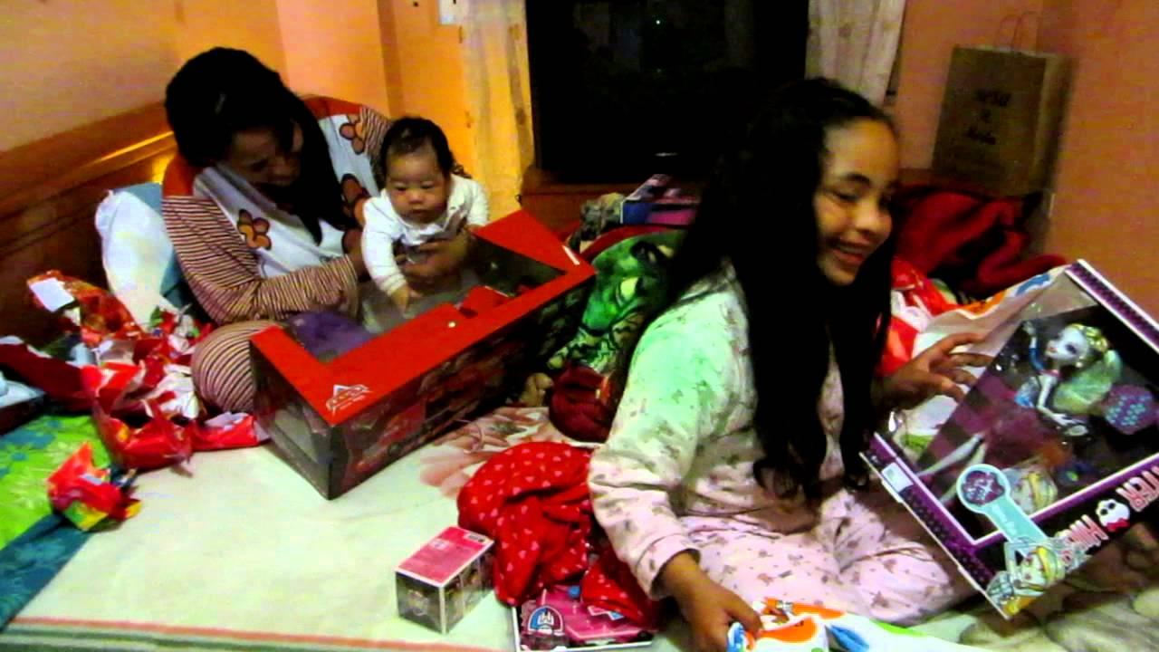 Resultado de imagen para niño jesus regalos