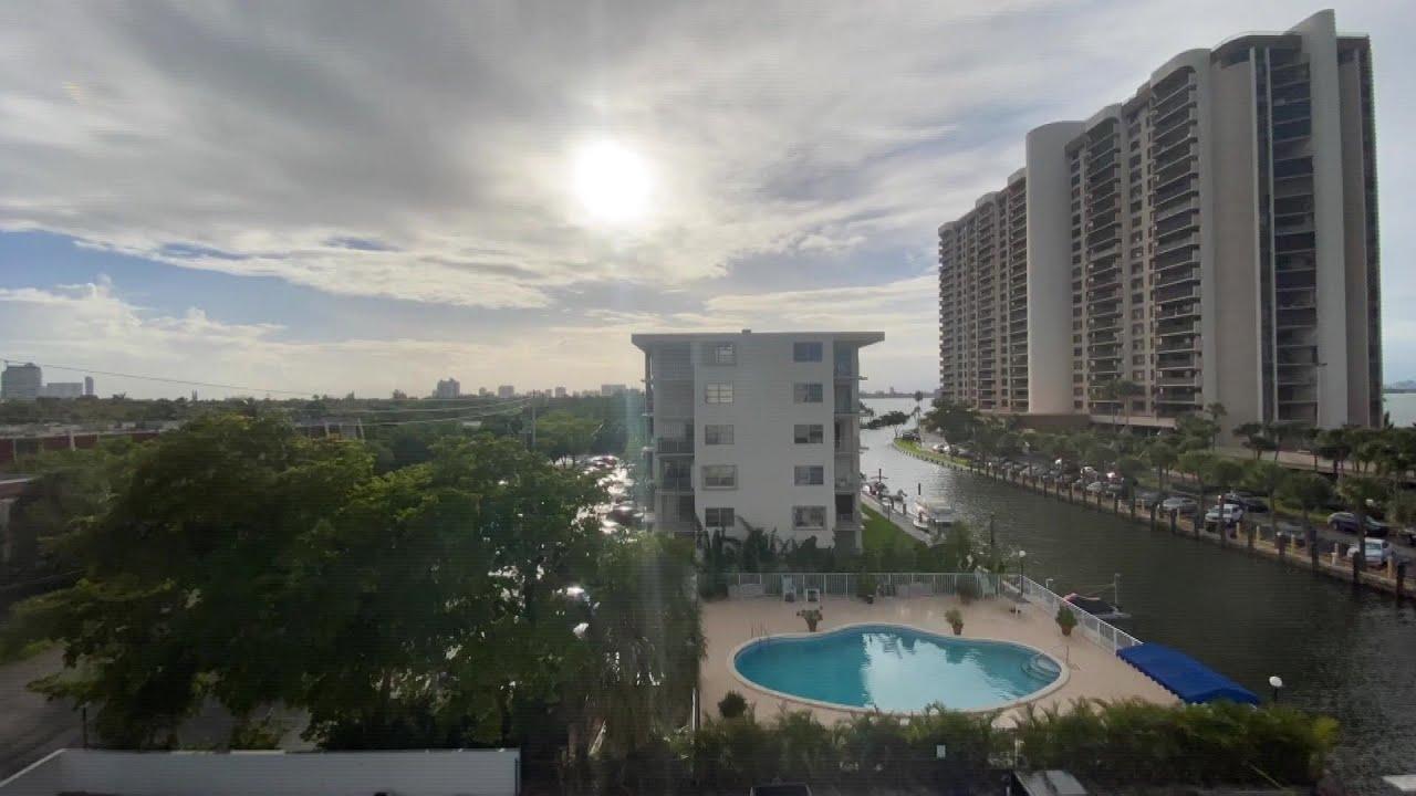 فلوريدا تستعدّ لمواجهة الإعصار أيساياس في خضمّ معركتها ضد كوفيد-19 | AFP
