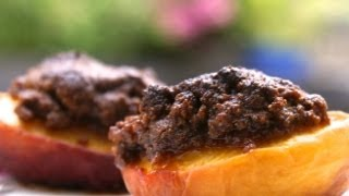 How To Make Peaches And Plums Stuffed With Almonds And Chocolate