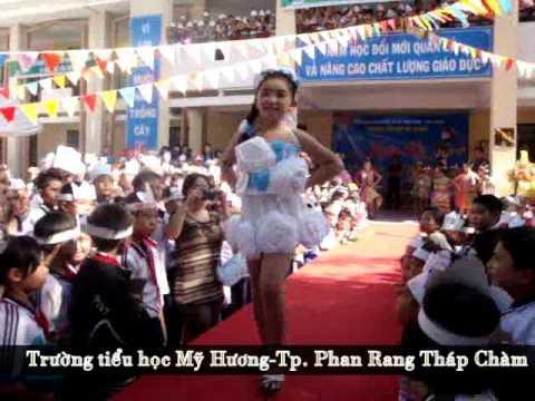 Trường tiểu học Mỹ Hương-Biểu diễn thời trang bảo vệ môi trường 2012.mp4