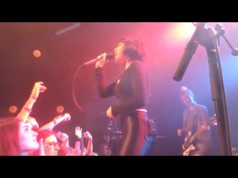 Mr & Mrs Smith ~ Hey Violet @ Paris 05/12/15