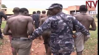 Lt Gen Henry Tumukunde yeweredde ba kifeesi abafuuse ensonga mu Kampala thumbnail
